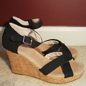 TOMS Black Strappy Wedges Sandals Espadrilles